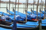 gondolas-covered