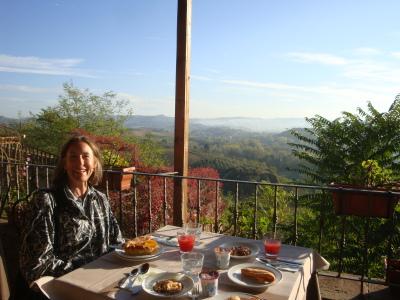 Carol and breakfast in Certaldo, Tuscany